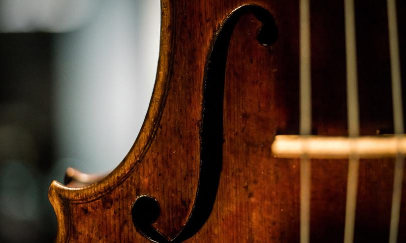 Ricerca foto ristabilita paternita Guarneri violino