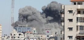 Israele fa evacuare e abbatte il palazzo dei media a Gaza