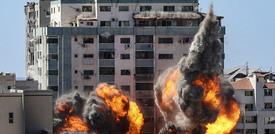 La 'torre dei giornalisti' a Gaza è stata distrutta dagli israeliani