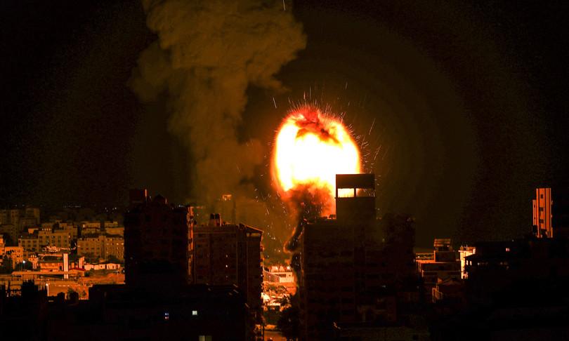 gaza decine attacchi forze israeliane contro hamas