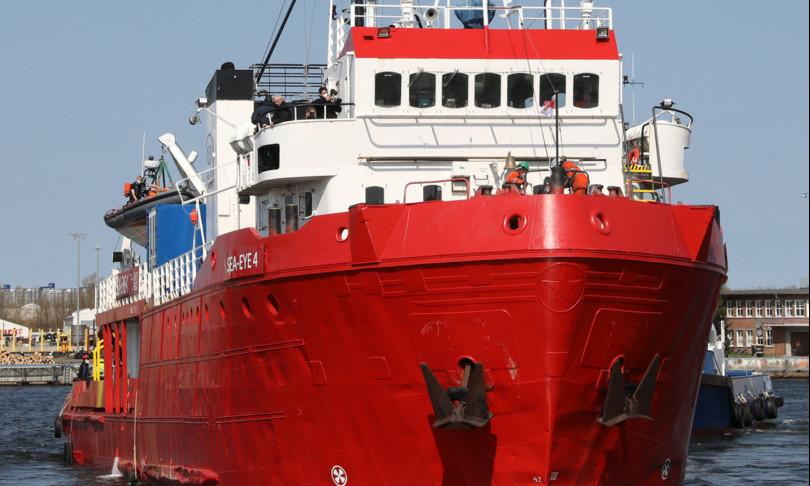 soccorsi migranti nave seaeye