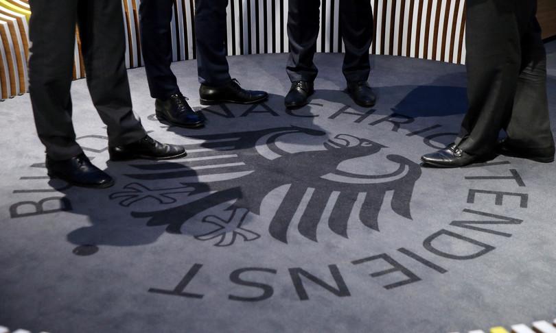 servizi segreti tedeschi selezionano agenti instagram