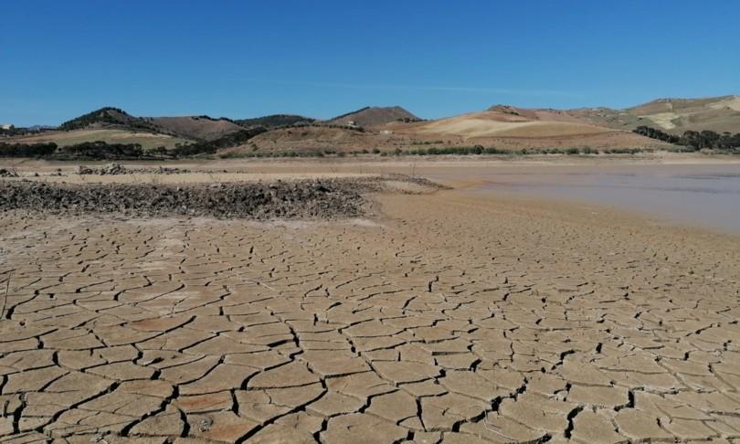 lago artificiale sicilia