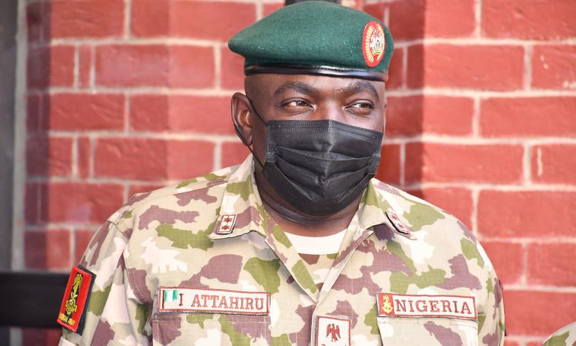 muore incidente aereo capo stato maggiore esercito nigeria