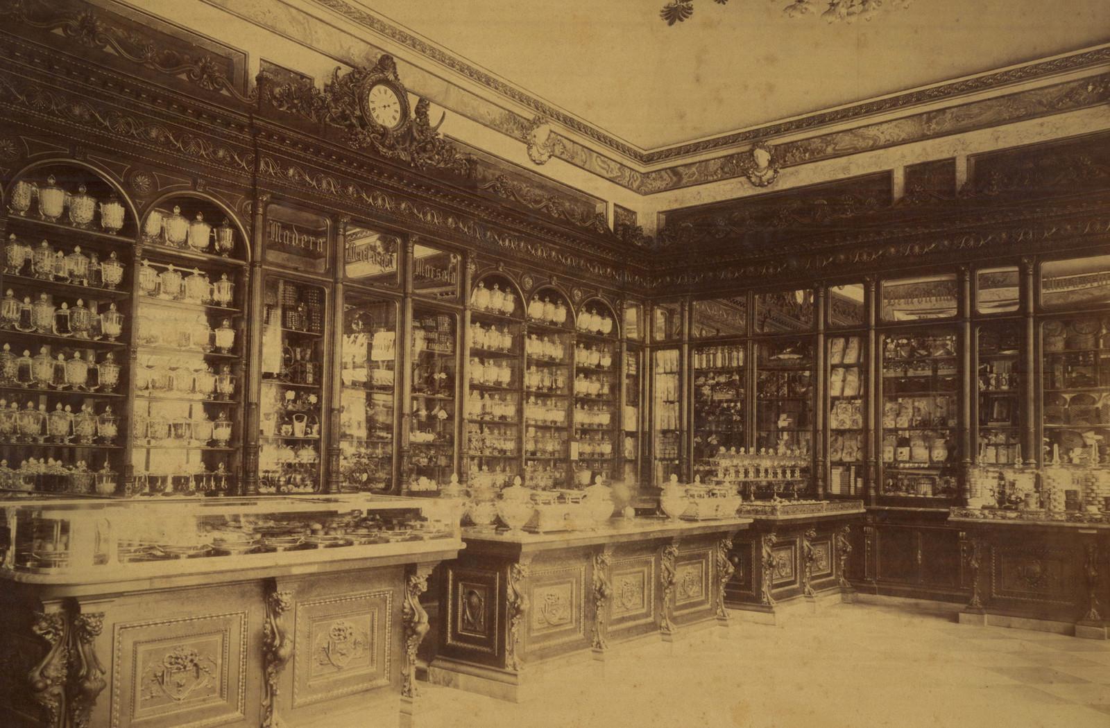 L'interno di Palazzo Marignoli a fine '800