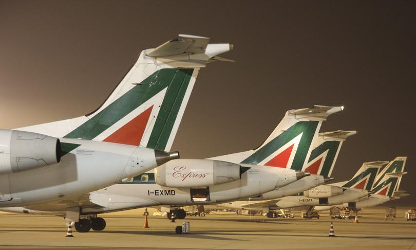 Alitaliameno aerei dimezzati dipendenti