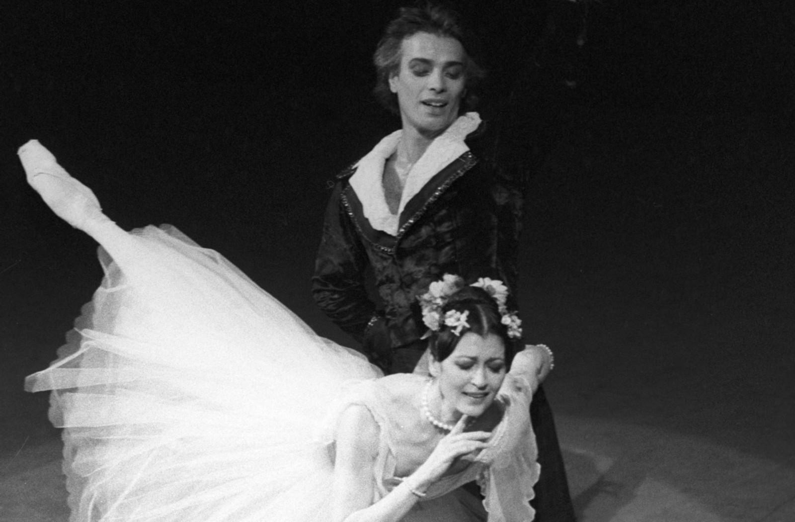 Carla Fracci e George Yanku al Bolshoi nel 1986 per il 40esimo anniversario della Fao