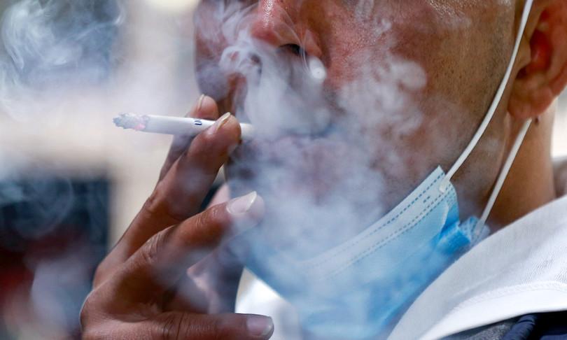sigarette mandano in fumo anche sorriso