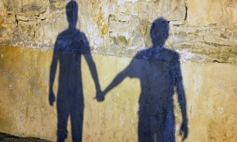 coppia gay aggredita palermo omofobia