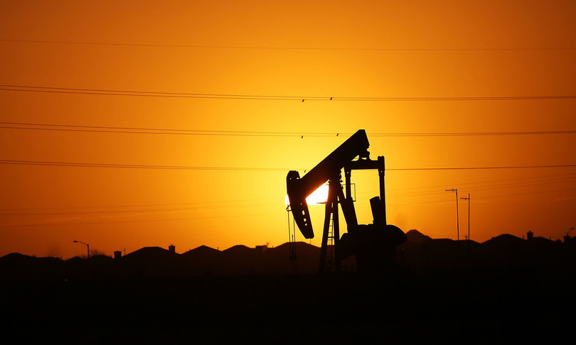 petrolio rialzo prezzibrentoltre settanta dollari