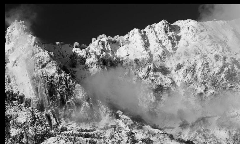 montagna alpi apuane donna morta