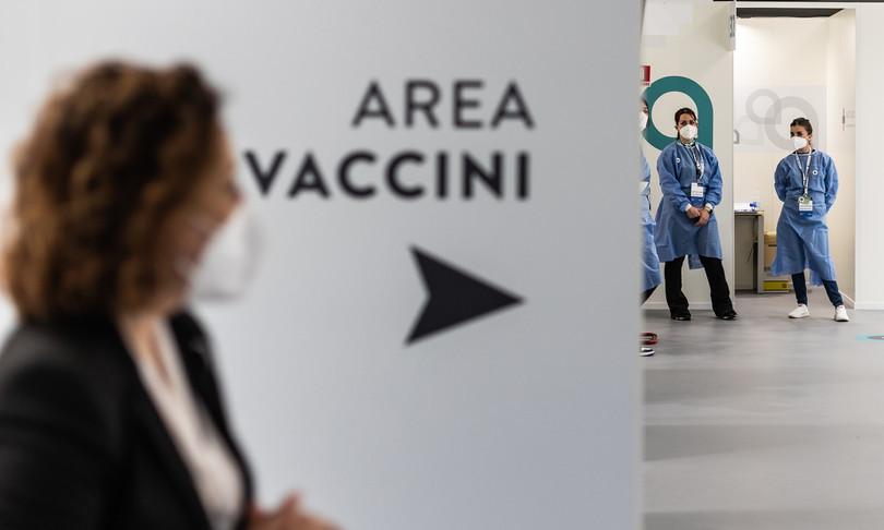 Coviditaliano quattro completamente vaccinato