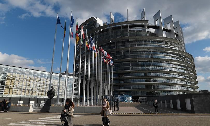 europarlamento riprende lavori ranghi ridotti