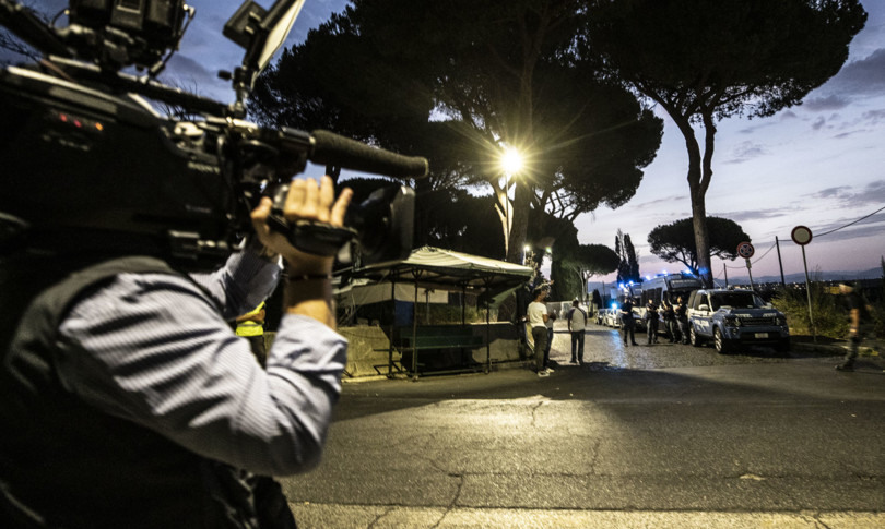 droga blitz a roma indagati anche due carabinieri e un agente