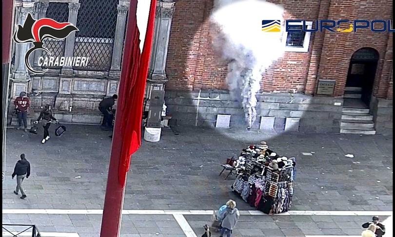 arrestati rapinatori assaltarono gioielleria piazza san marco venezia