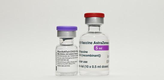 Via libera dell'Aifa al mix di vaccini per gli under 60