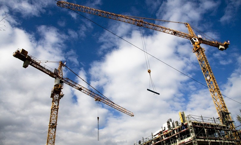 Milano crollata trivella palazzina