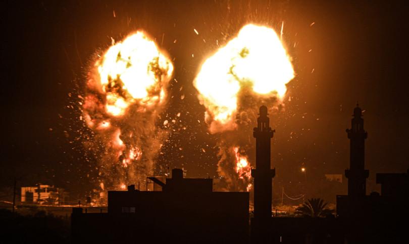 Israele raid Gaza dopo palloni incendiari