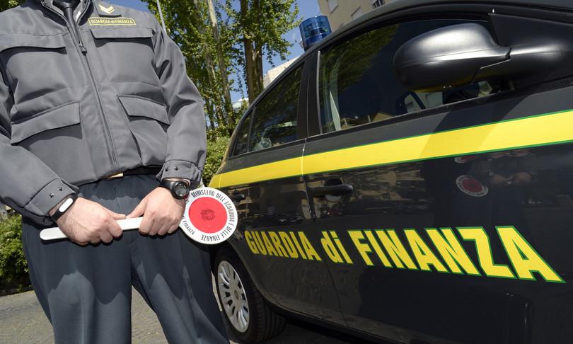 Guardia di Finanza traffico rifiuti illeciti frode fiscale