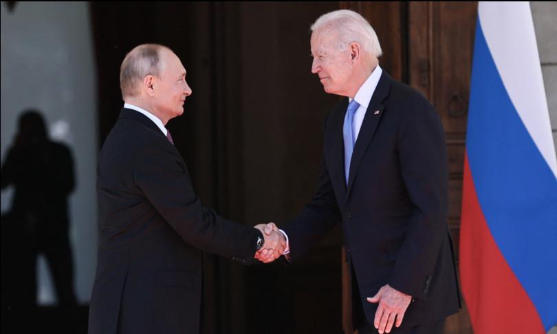 stretta mano Biden Putin