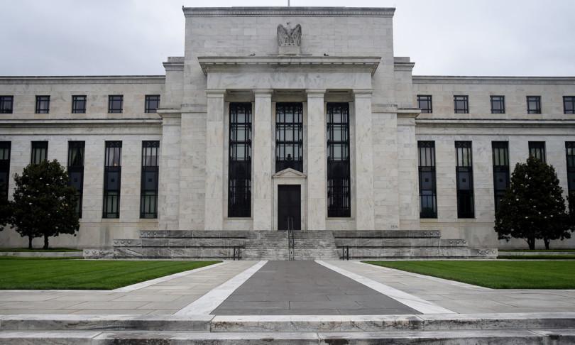fed lascia fermi tassi anticipa prossimo rialzo