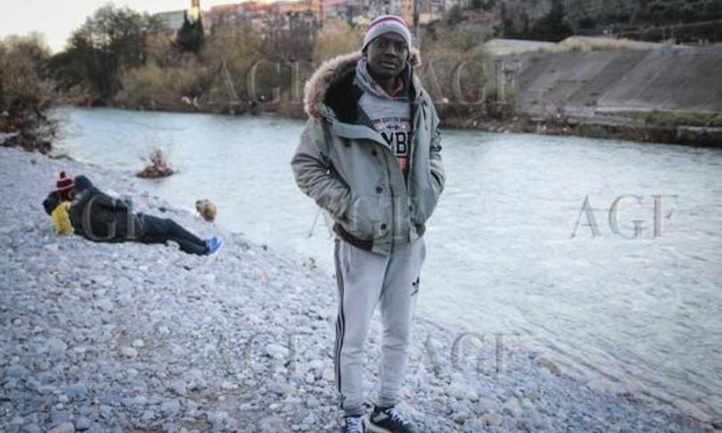 viaggio ventimiglia inferno migranti