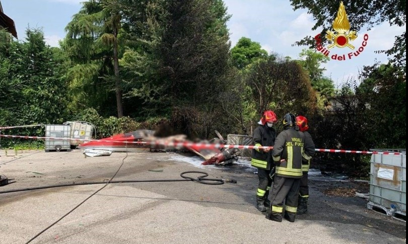 Aereo cade in atterraggio Padova, morto pilota