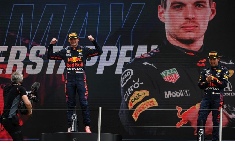 Formula 1 Verstappen beffa Hamilton e vince Gp di Francia