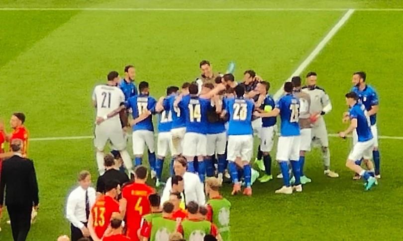 europei italia galles pessina azzurri punteggio pieno