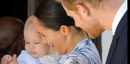 Carlo vuole impedire che il figlio di Harry e Meghan diventi principe