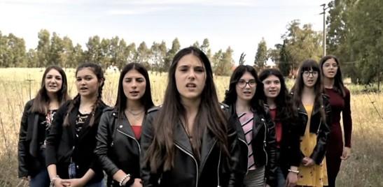 Contro i femminicidi l'inno in sardo di una generazione in un videoclip