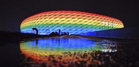 """Le critiche alla Uefa per aver negato lo stadio """"arcobaleno"""""""