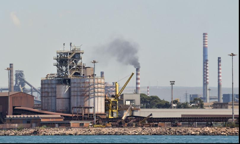 Ex Ilva acciaio Taranto produzione non si ferma
