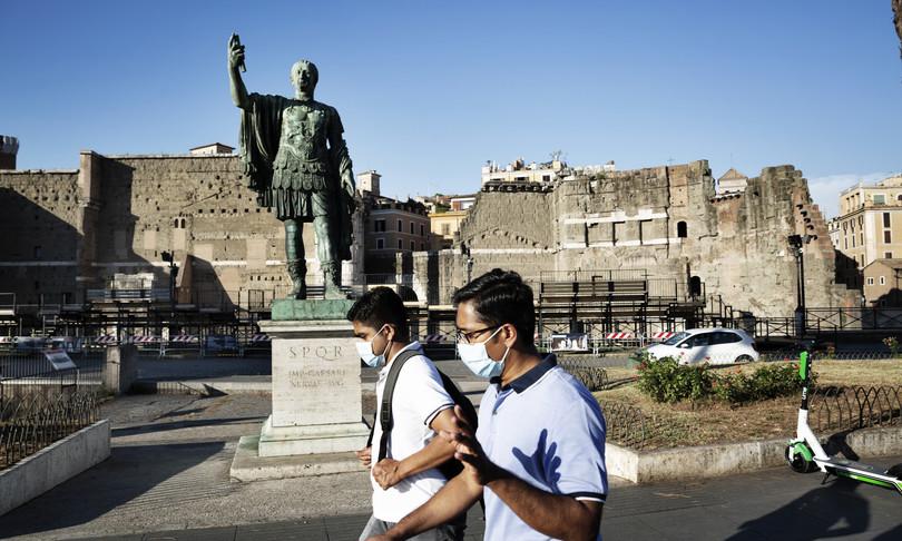luglio agosto italia turisti stranieri
