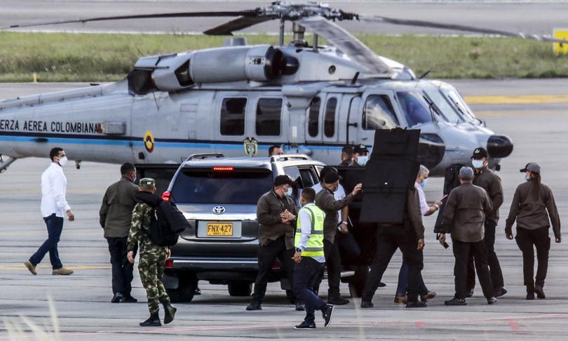 colombia spari contro elicottero presidente duque