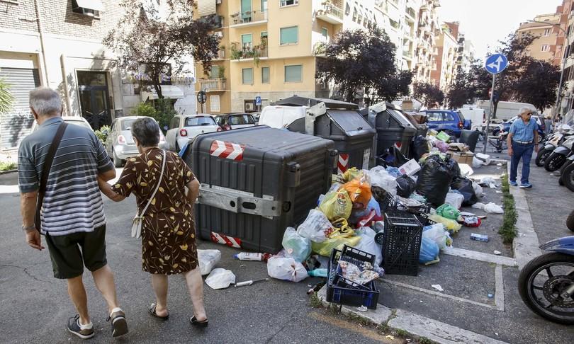rischio emergenza rifiuti roma commissariamento
