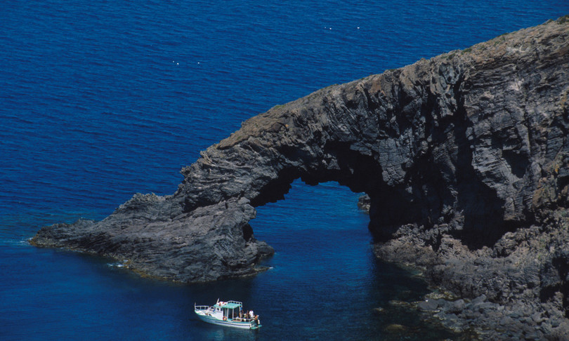 pantelleria muta cavo telefonico sottomarino rotto