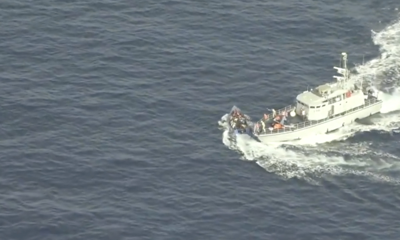 spari speronamento attacco libia barcone migranti