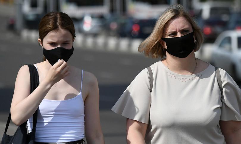 variante delta riaccende dibattito mascherine usa covid