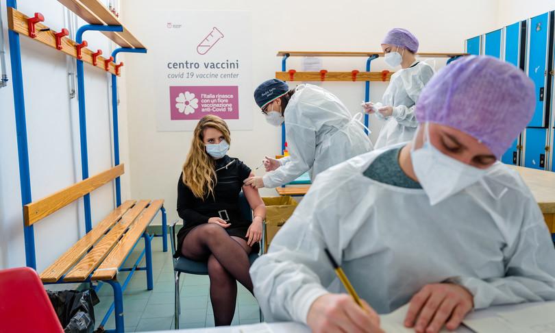Vaccino aggiornamento Italia oltre 19 milioni immunizzati