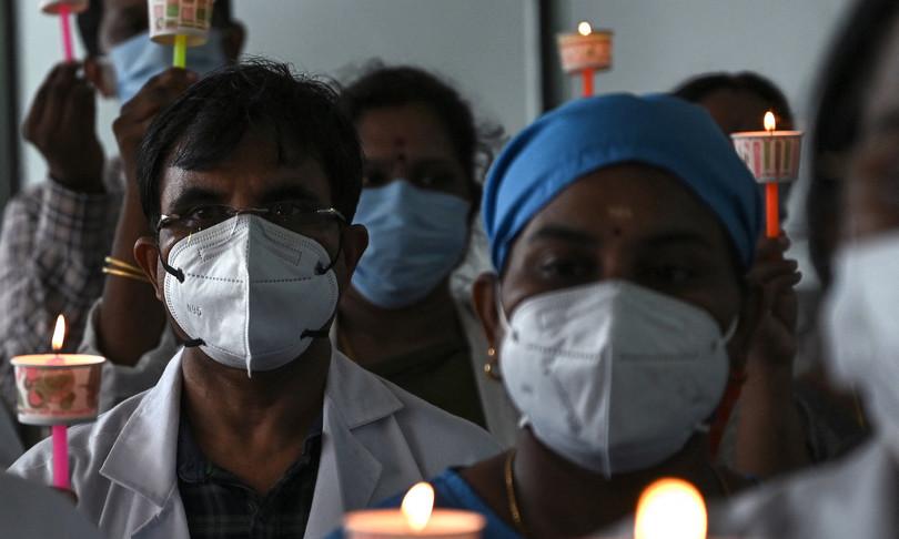 Covid India oltre 400 mila morti ma cala bilancio giornaliero