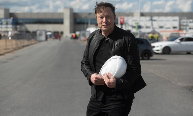 Elon Musk vive in una casa prefabbricata da 50 mila dollari