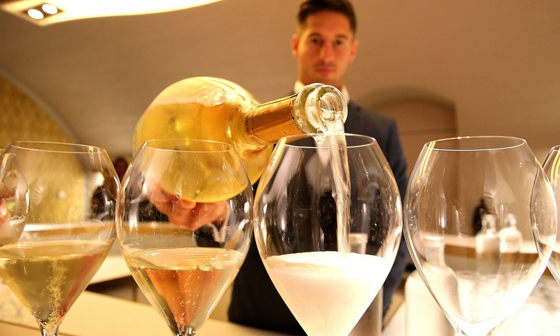 Champagne russo Francia infuriata