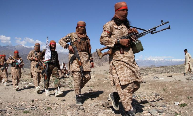 afghanistan soldati talebani tajikistan