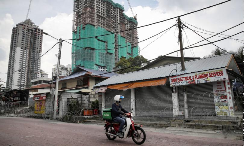 malaysia bandiere bianche sulle case per chiedere aiuto