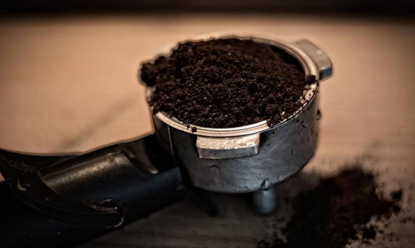 caffe salgono prezzi materia prima tazzina bar