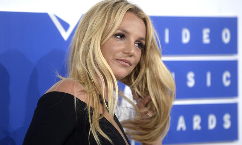 Britney Spears sotto tutela legale madre vuole nuovo avvocato
