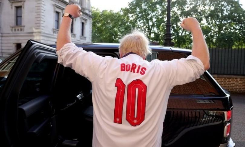 boris johnson incita nazionale inglese coppa europei