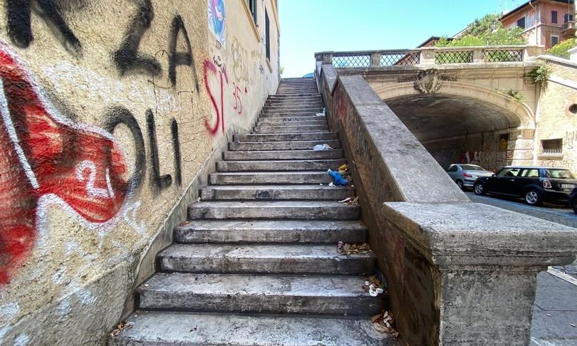 Roma bottiglie degrado quartiere Salario