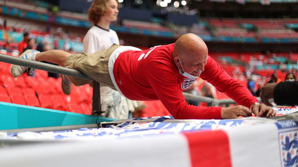 Tifosi inglesi a Wembley per finale Euro 2020